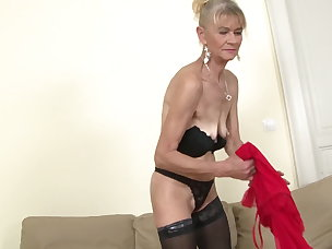 mature mom anal jacosta